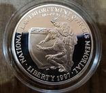 США 1 доллар 1997 г. Национальный Мемориал сотрудников правоохранительных органов. Пруф, фото №2