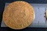 1 дукат  золотом1546  року , Польща ,  копія золотої не магнітний,   позолота 999, фото №3