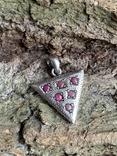 Винтажный серебряный треугольный кулон с рубинами, фото №6