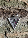 Винтажный серебряный треугольный кулон с рубинами, фото №9