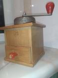 Кофемолка коллекционная рабочая дерево металл клеймо Германия, фото №10