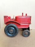Красный железный трактор СССР, фото №4