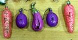 Лот  из 10-ти новогодних игрушек овощей-орехов-грибов. есть нюансы, фото №5