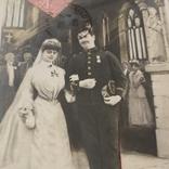Свадебная, жених военный награды с невестой в церкви, 1906, Франция, фото №3
