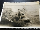 1956 Одесса Девушки с зонтиком Камни, фото №4