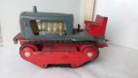 3443 детская игрушка из СССР на батарейке с лампочкой гусеничный трактор, фото №2