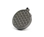 """Двохсторонній круглий кулон з геометричним орнаментом """"Квітка життя"""" із метеорита Aletai, фото №6"""