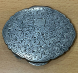 Серебряная пудреница 800 пробы с узором, фото №4