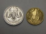 1 и 10 франков, Мадагаскар, фото №2