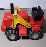 Игрушка СССР Трактор электомеханический, фото №2
