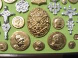 Фибулы и античные монеты. Копии, в раме без стекла, 41х22 см, фото №5