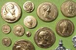 Фибулы и античные монеты. Копии, в раме без стекла, 41х22 см, фото №6