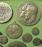 Медные монеты Российской империи в зелёной патине. Копии, в раме без стекла, 31х21 см, фото №6