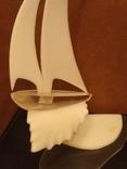 Яхта на волне (большая-оргстекло), фото №6