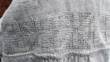 Старинная вышиванка с выкалыванием узора на полотне, фото №6