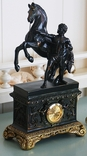 Часы интерьерные Спартанец с конем, фото №2