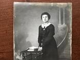 Старое фото Девушка в платье с цепочкой Столико Книги, фото №5