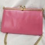 Винтажная розовая сумочка с длинной ручкой цепочкой. Можно носить как клатч. 24х17х4,5см, фото №7