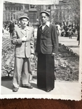 1955 Парни в костюмах Клёш Памятник Воронцову, фото №6