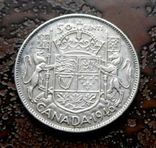 50 центов Канада 1946 состояние серебро, фото №3