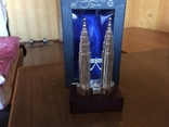 Статуэтка Petronas Twin Towers Malaysia в родной коробке, фото №6
