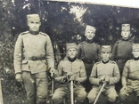 Фото военный Сербской армии с саблями и тесаками, фото №3