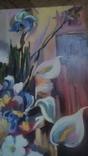 Цветы на фоне окна абстракция, фото №2