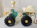 Трактор на управлении, фото №3