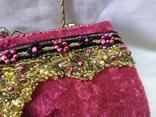 Винтажная бархатная сумочка с вышивкой и металлической ручкой, фото №5
