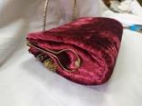 Винтажная бархатная сумочка с вышивкой и металлической ручкой, фото №10
