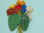 Брошка искусственные цветы ГДР, фото №7