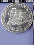 Раунд в честь миссии Аполлон-11, высадки человека на Луну, серебро 0.999, 15 грамм, фото №2