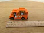 Машина фургон для продажу морозива Hot Wheels, Mattel Inc., 1983 року, фото №2
