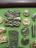 Монеты и античная археология. Копии, в раме без стекла, 31х21см, фото №8