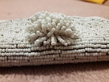 Сумочка клатч, обшитый белым бисером., фото №4