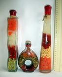 Бутылки с украшением из овощей и приправ. Сувениры на кухню., фото №3