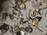 Разные часовые запчасти из ящика часовщика, фото №6