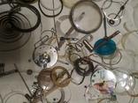 Разные часовые запчасти из ящика часовщика, фото №10