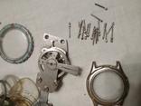Разные часовые запчасти из ящика часовщика, фото №11