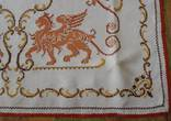 Старинная скатерть с ручной вышивкой - драконы или грифоны., фото №4