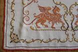 Старинная скатерть с ручной вышивкой - драконы или грифоны. photo 6