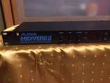 Процессор эффектов, ревербератор Alesis Midiverb 2