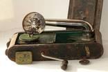 Патефон дорожный редкий в металлическом корпусе