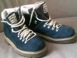 Стильные синие ботинки .разм.25.5см