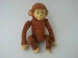 Заводная механическая плюшевая обезьянка клееные опилки СССР исправная photo 1