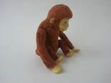 Заводная механическая плюшевая обезьянка клееные опилки СССР исправная photo 2