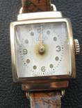 Женские золотые часы ЛУЧ 583 проба. На ходу.