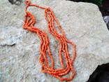 Коралловые бусы (зерно, бочонки) на родной нитке...