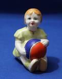 """Скульптура """"Девочка с мячом"""" Фарфор Прошлый век"""