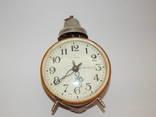 Часы будильник ссср янтарь 7857 photo 1